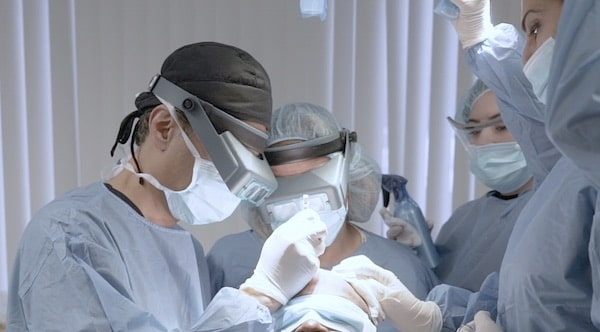 Dr. Mohebi discusses FUE hair transplants on online series