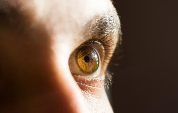 How eyelash transplant works